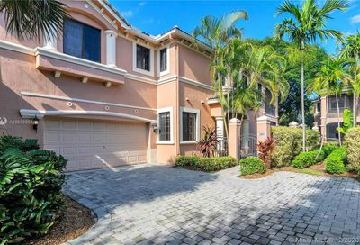2802 Center Ct Dr Weston FL 33332