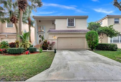 514 NW 87th Ln Coral Springs FL 33071