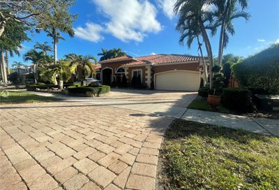 8340 NW 157th Ter Miami Lakes FL 33016