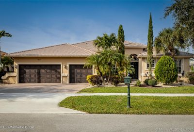 5033 Sweetwater Ter Cooper City FL 33330