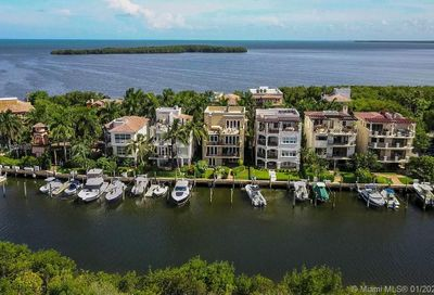 5848 Paradise Point Dr Palmetto Bay FL 33157