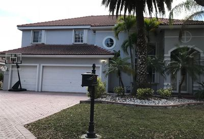 10242 NW 54th Pl Coral Springs FL 33076