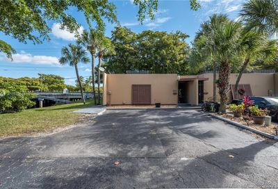 6711 Kingsmoor Way Miami Lakes FL 33014