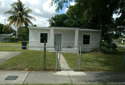 1745 NW 189th Ter Miami Gardens FL 33056