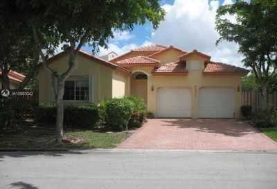 5877 NW 108th Pl Doral FL 33178