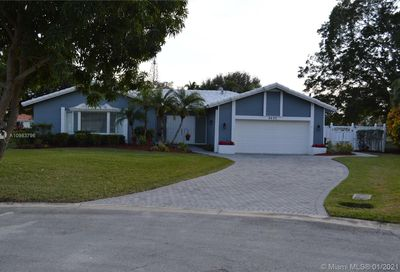 8482 NW 15th Ct Coral Springs FL 33071