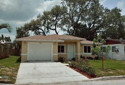 2770 NW 18th Ter Oakland Park FL 33311