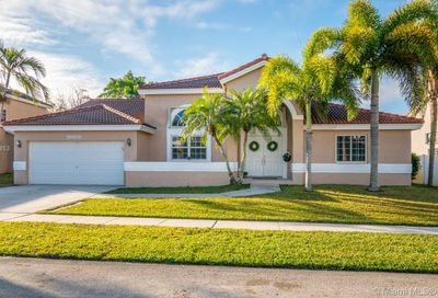 20106 NW 9th Dr Pembroke Pines FL 33029