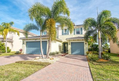 2421 Bellarosa Cir Royal Palm Beach FL 33411
