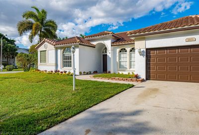 9251 NW 42nd Ct Coral Springs FL 33065