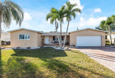 8966 SW 52nd Pl Cooper City FL 33328