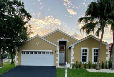 287 NE Bermuda Springs Dr Weston FL 33326
