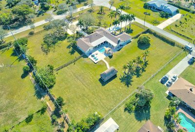 17801 SW 52nd Ct Southwest Ranches FL 33331