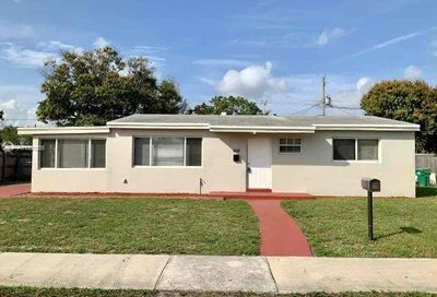 2441 NW 182nd Ter Miami Gardens FL 33056