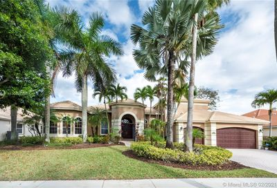 2494 Princeton Ct Weston FL 33327