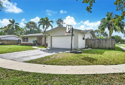 7560 NW 13th Ct Plantation FL 33313