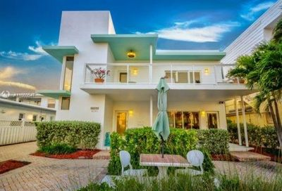 4241 El Mar Dr Lauderdale By The Sea FL 33308