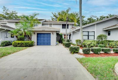 3281 Deer Creek Lake Shore Dr Deerfield Beach FL 33442