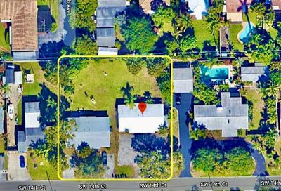 709-711 SW 14 Court Fort Lauderdale FL 33315