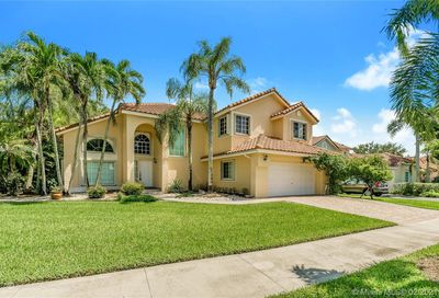 524 Water Pt Weston FL 33326