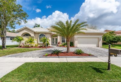 2011 NW 129th Ter Pembroke Pines FL 33028