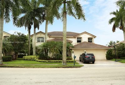 1642 Victoria Pointe Cir Weston FL 33327