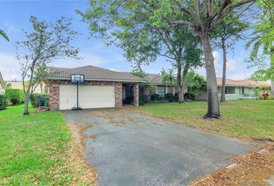8849 NW 57th Ct Coral Springs FL 33067