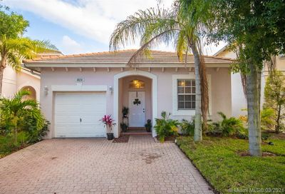 4824 NW 20th Pl Coconut Creek FL 33063