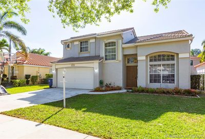 2730 Cayenne Ave Cooper City FL 33026