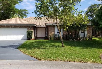 3803 NW 69th Ter Coral Springs FL 33065