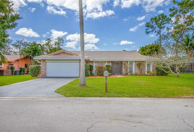 8352 NW 6th Ct Coral Springs FL 33071