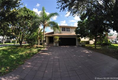 4520 NW 52nd St Coconut Creek FL 33073