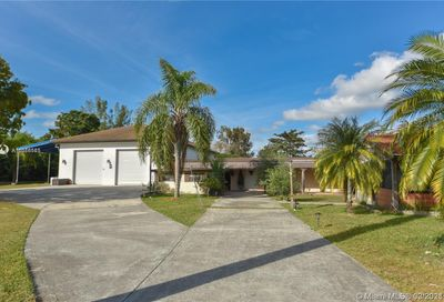 19101 SW 57th Ct Southwest Ranches FL 33332