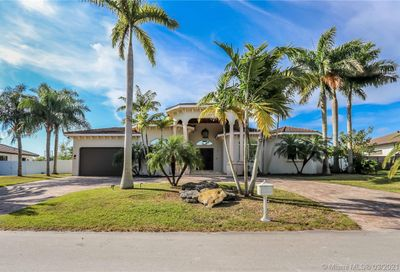 8840 SW 165th Ter Palmetto Bay FL 33157