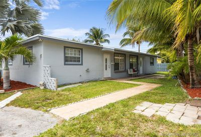 251 NE 40th Ct Oakland Park FL 33334