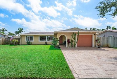 11140 NW 19th St Pembroke Pines FL 33026