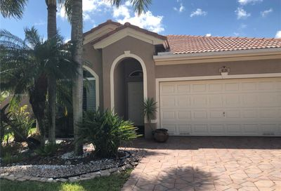 4116 Oxbow Dr Coconut Creek FL 33073
