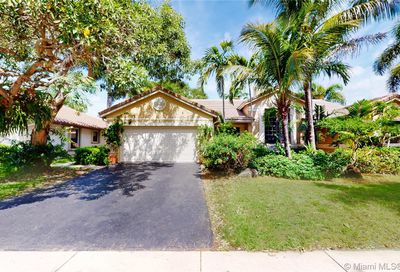 3153 Peachtree Cir Davie FL 33328