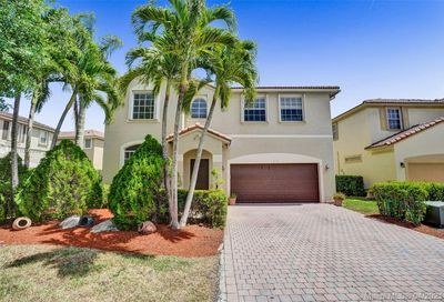 879 NW 126th Dr Coral Springs FL 33071