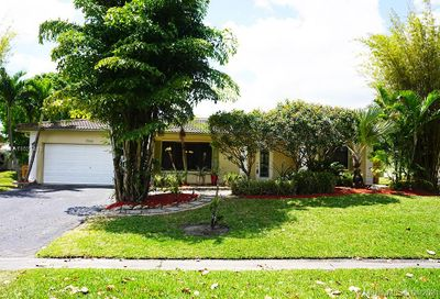 2566 NW 121st Dr Coral Springs FL 33065