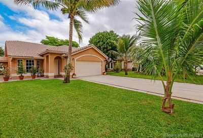 2419 NW 95th Ave Coral Springs FL 33065