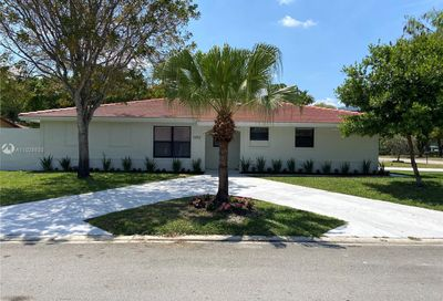 1392 NW 93rd Ter Coral Springs FL 33071