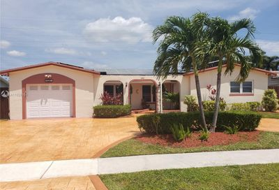 8501 NW 24th Ct Pembroke Pines FL 33024