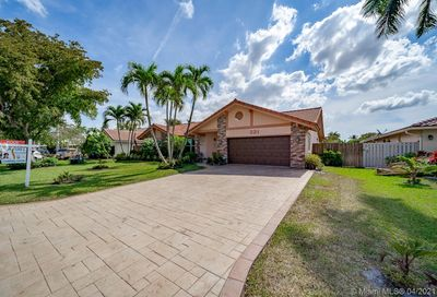 321 NW 108th Ave Coral Springs FL 33071