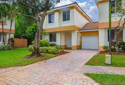 6524 Hidden Cove Dr Davie FL 33314