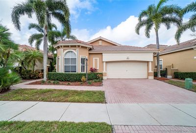 5840 NW 122nd Ter Coral Springs FL 33076