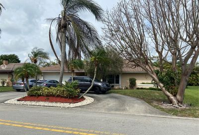 698 NW 106th Ave Coral Springs FL 33071
