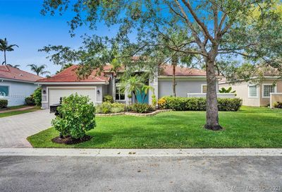 10317 NW 53rd Ct Coral Springs FL 33076