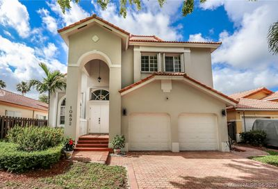 10892 NW 58th Ter Doral FL 33178
