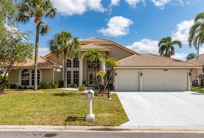 8467 NW 43rd Ct Coral Springs FL 33065